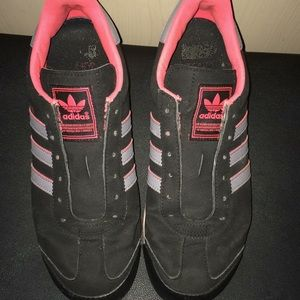 Adidas sneakers size 5 1/2 -fit most women sz 7